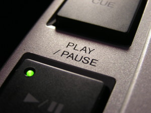 play/pause button